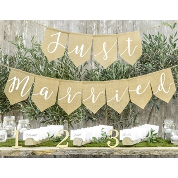 "Banner i Hessian, ""Just Married"""